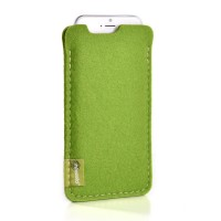 Almwild iPhone SE/8/7/6 -Hülle Dezenzi Größe L2, Maigrün, Filz