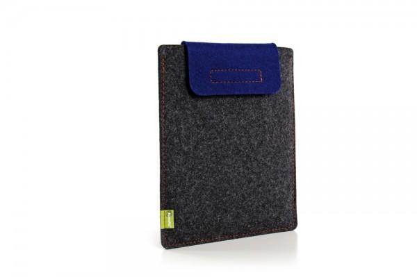 Almwild iPad 1-4 - Sleeve Schiefergrau-Enzianblau Schofliesl mit Verschlusslasche in Enzianblau, 100